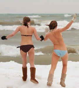 432px-Two_brave_girls_-_Polar_Bear_Plunge_2009