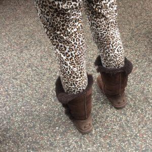 Leopard print leggings and Uggs